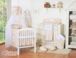 Bobono - Baby White Cot With Hanging Hearts - Beige Polka